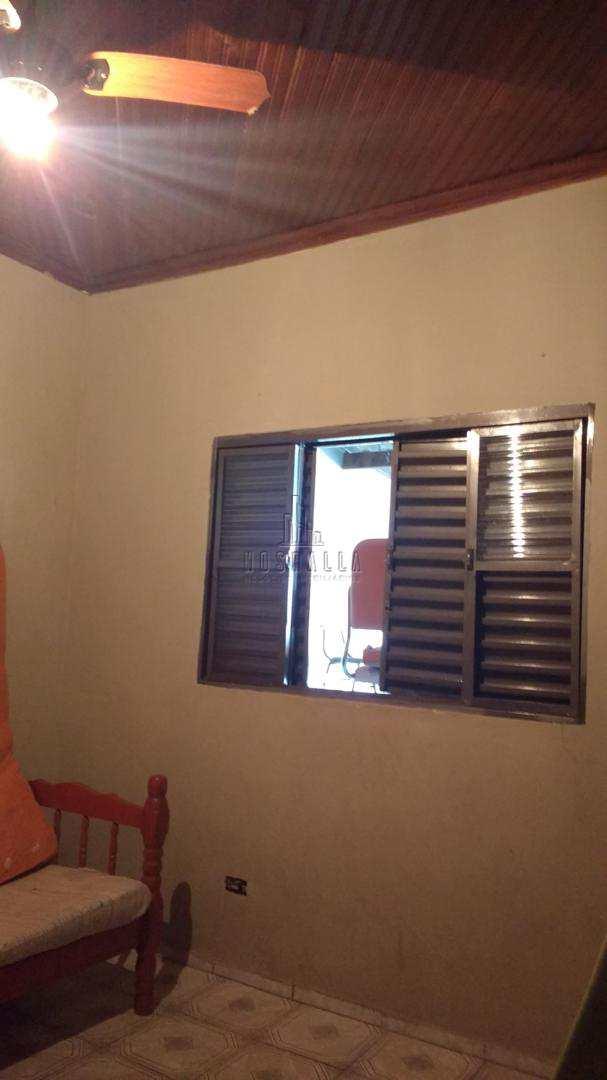 Casa com 1 dorm, Jardim das Rosas, Jaboticabal - R$ 220 mil, Cod: 1722995