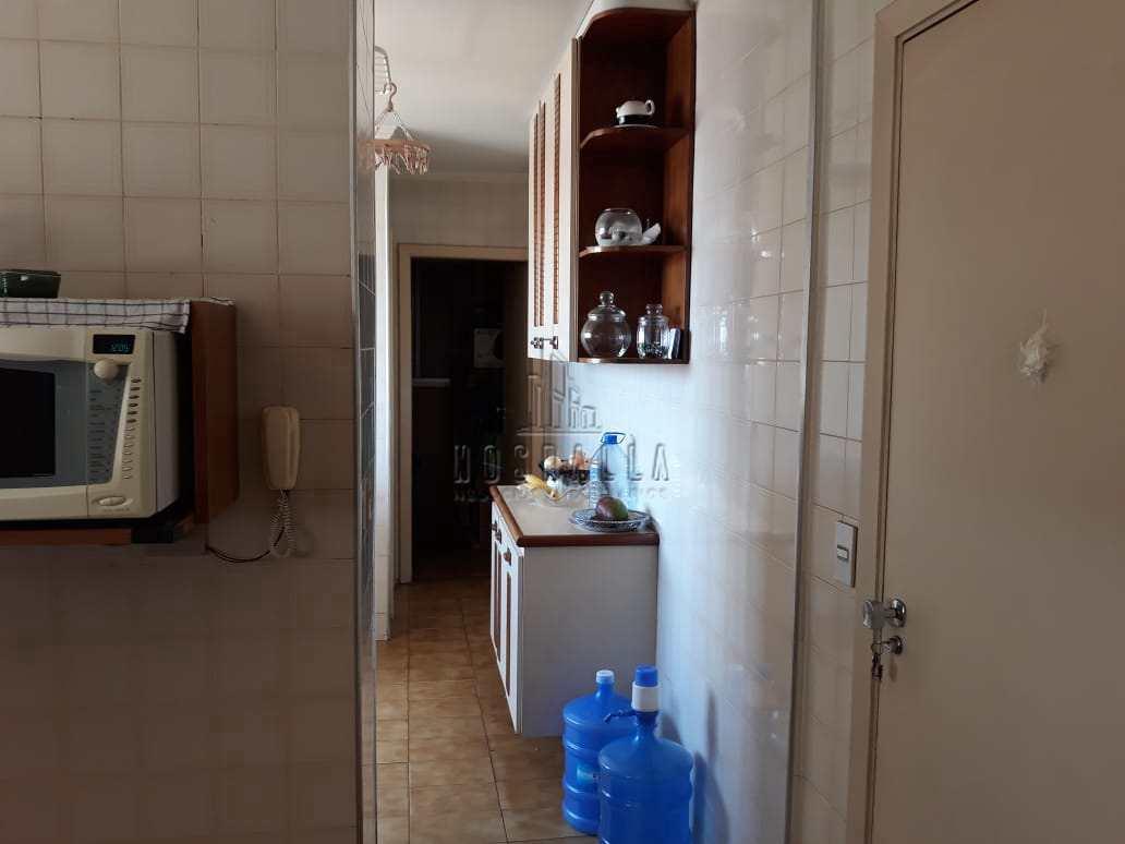Apartamento com 3 dorms, Centro, Jaboticabal - R$ 480 mil, Cod: 1723018
