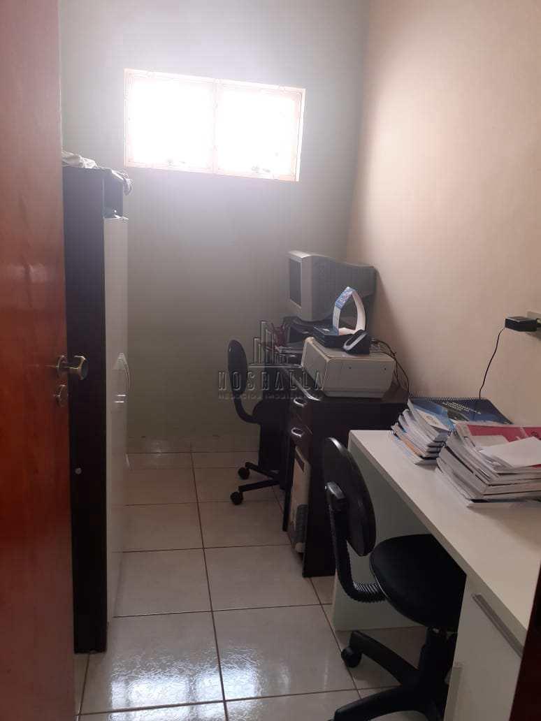 Casa com 3 dorms, Jardim Brandi, Jaboticabal, Cod: 1723181