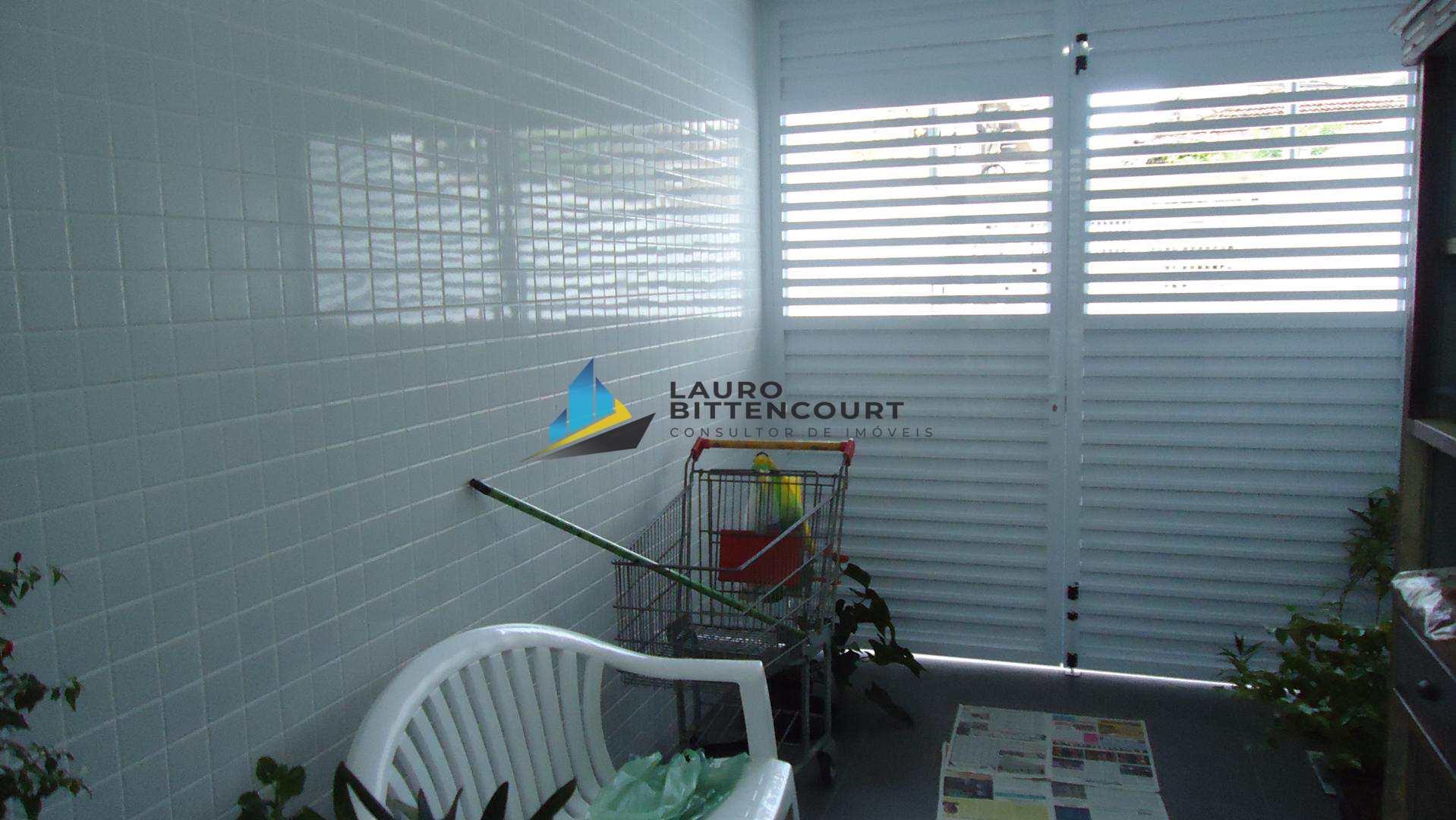 Casa com 3 dorms, Embaré, Santos - R$ 1.2 mi, Cod: 8133