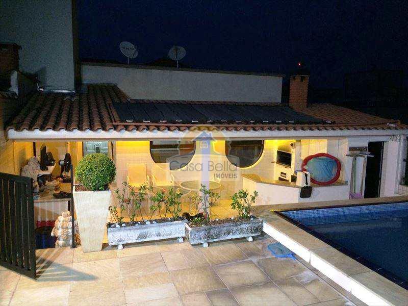271500-PISCINA_C_CASCATA_CHURRASQUEIRA_BANHEIRO.jpg