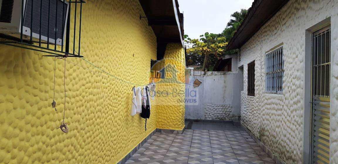 Casa com 4 dorms, Praia da Enseada, Guarujá.