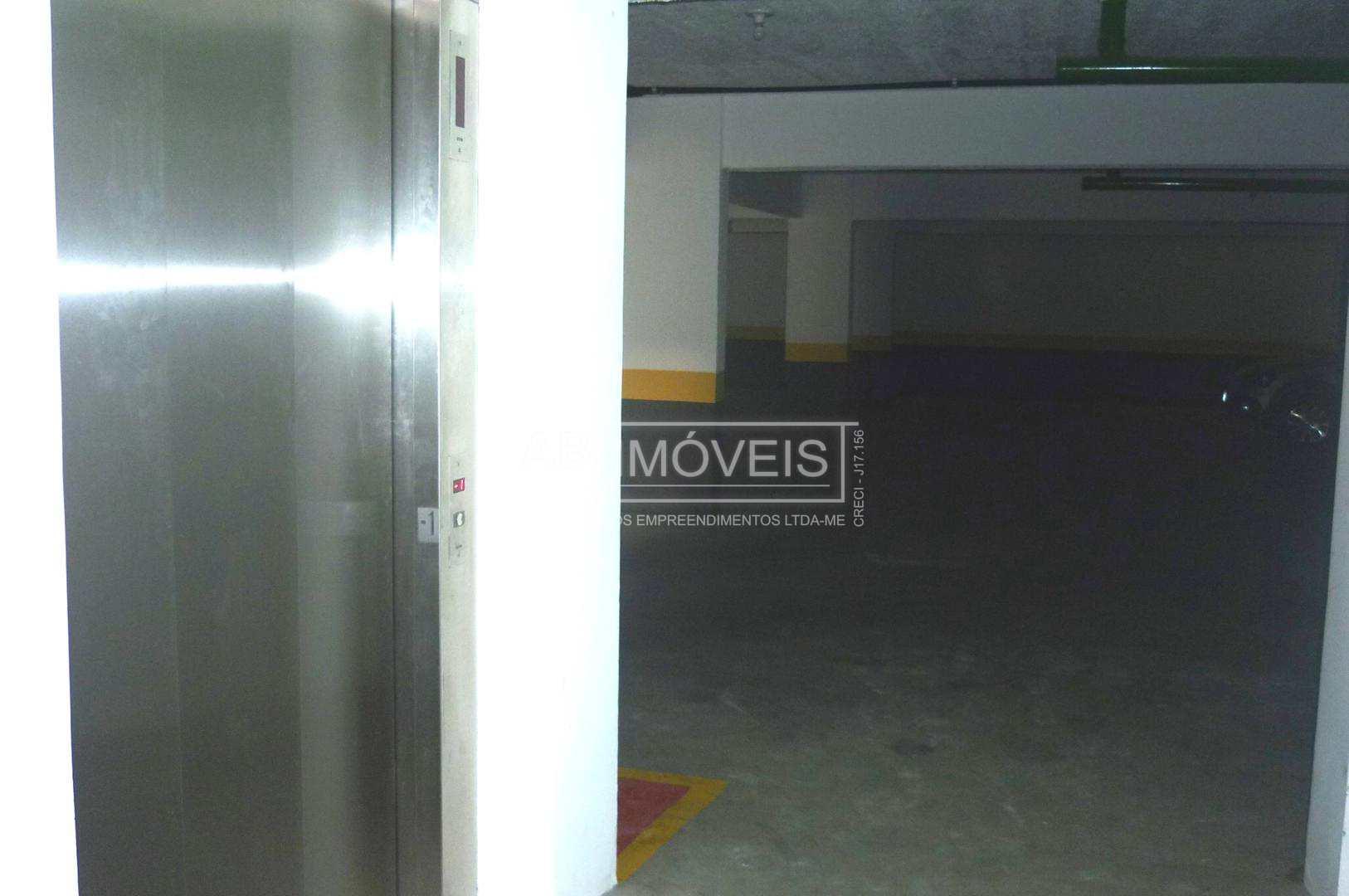 64 - ELEVADOR GARAGEM