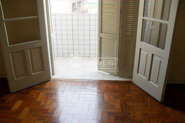 Apartamento em Santos bairro Embaré
