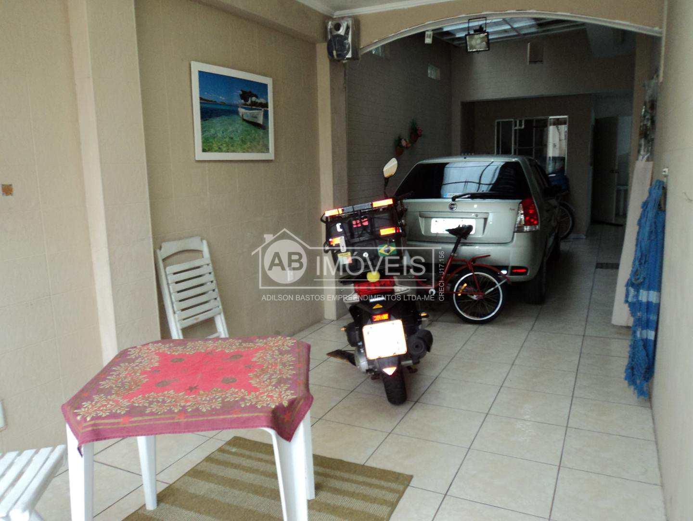 Sobrado com 3 dorms, Vila Cascatinha, São Vicente - R$ 900 mil, Cod: 2915