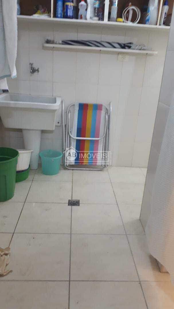 Apartamento com 3 dorms, Gonzaga, Santos - R$ 290 mil, Cod: 2930