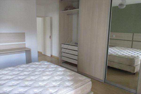 Sobrado de 3 dormitórios à venda em Jardim Londrina, Sao Paulo - SP