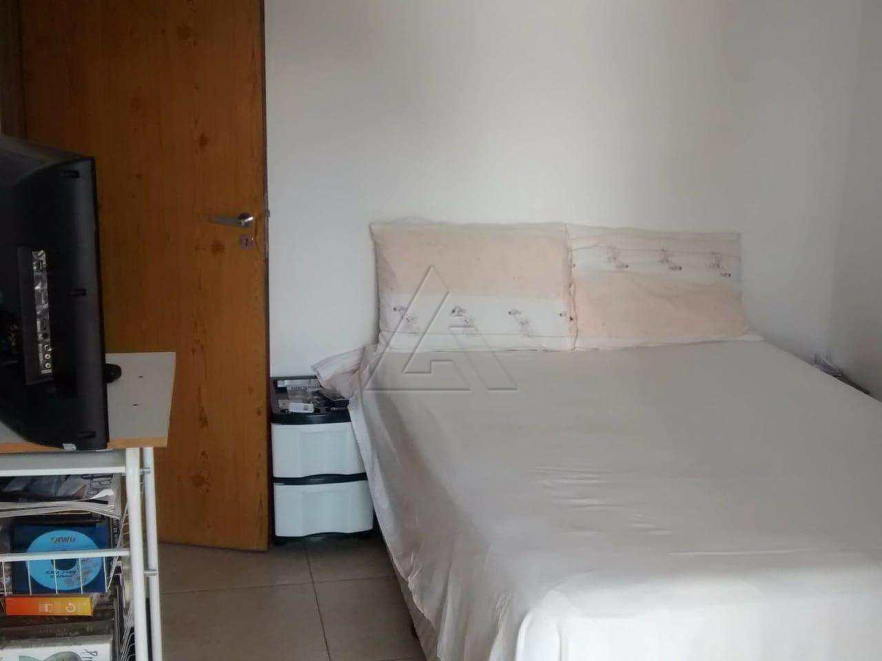 Sobrado 3 dorms/ 2vgs- Monte Kemel  R$ 350.000 ref. 2913