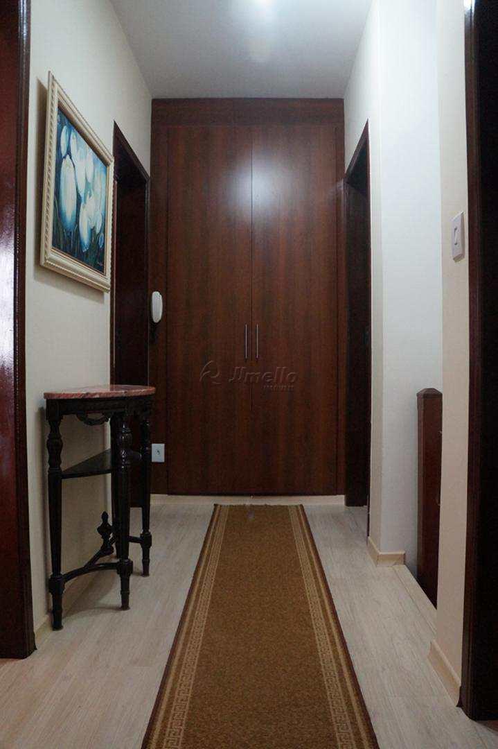 Hall Superior com armário (2)