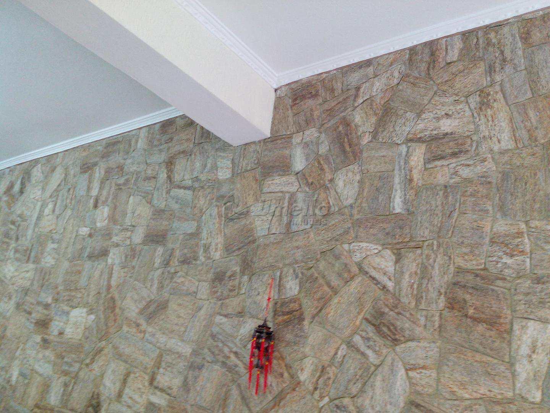 30 Detalhe Sanca de Gesso e Parede de Pedras