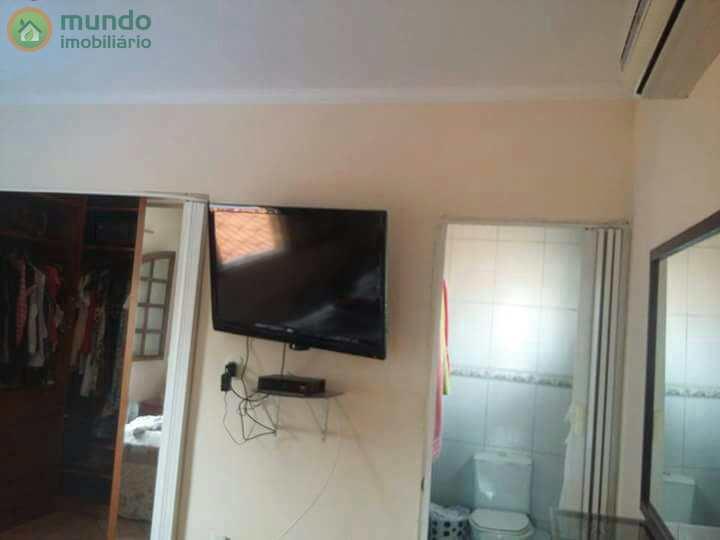 Sobrado com 3 dormitórios, Jardim Ana Rosa - Estuda Permuta
