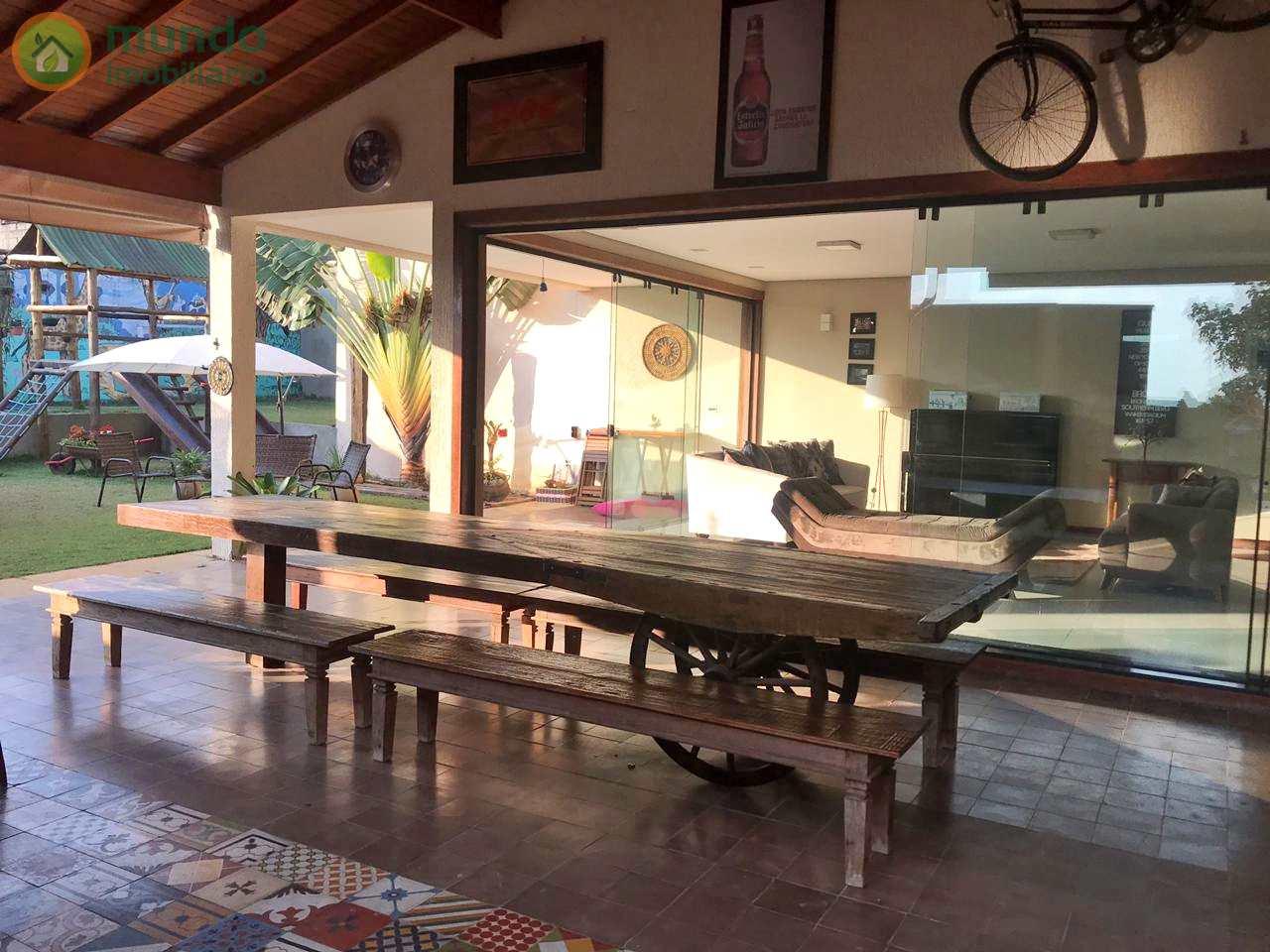 Casa com 4 dormitórios, São Gonçalo, Taubaté