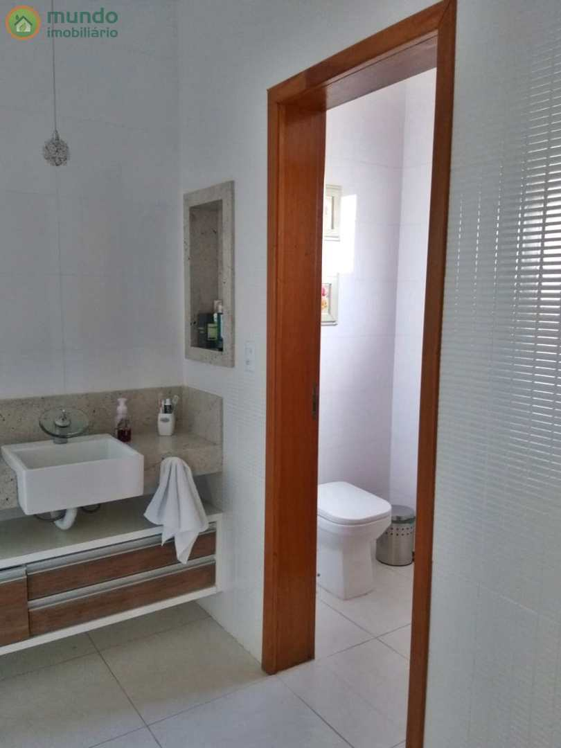 Sobrado com 4 dorms, Condomínio Residencial Ouroville, Taubaté
