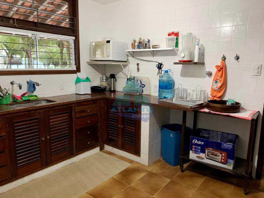 Casa com 4 dorms, Praia Enseada, Ubatuba - R$ 2.000.000,00, 305m² - Codigo: 620