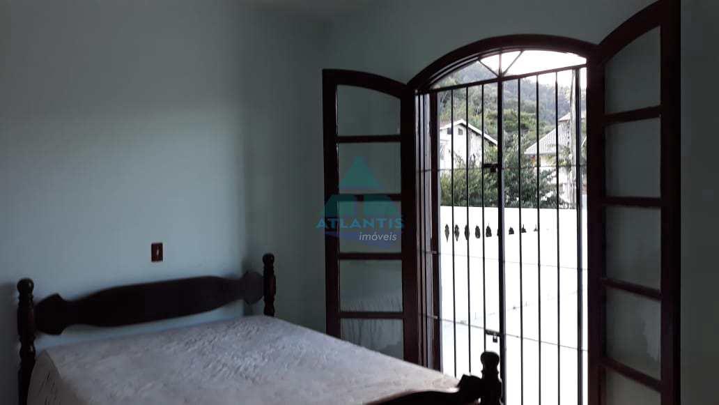 Casa com 3 dorms, Praia da Lagoinha, Ubatuba - R$ 380 mil, Cod: 1127