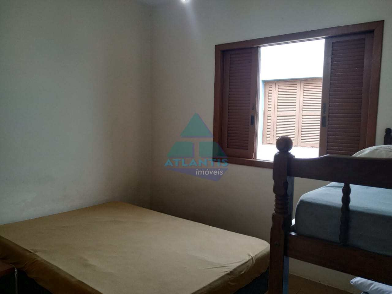 Casa com 5 dorms, Praia da Lagoinha, Ubatuba - R$ 550 mil, Cod: 1169