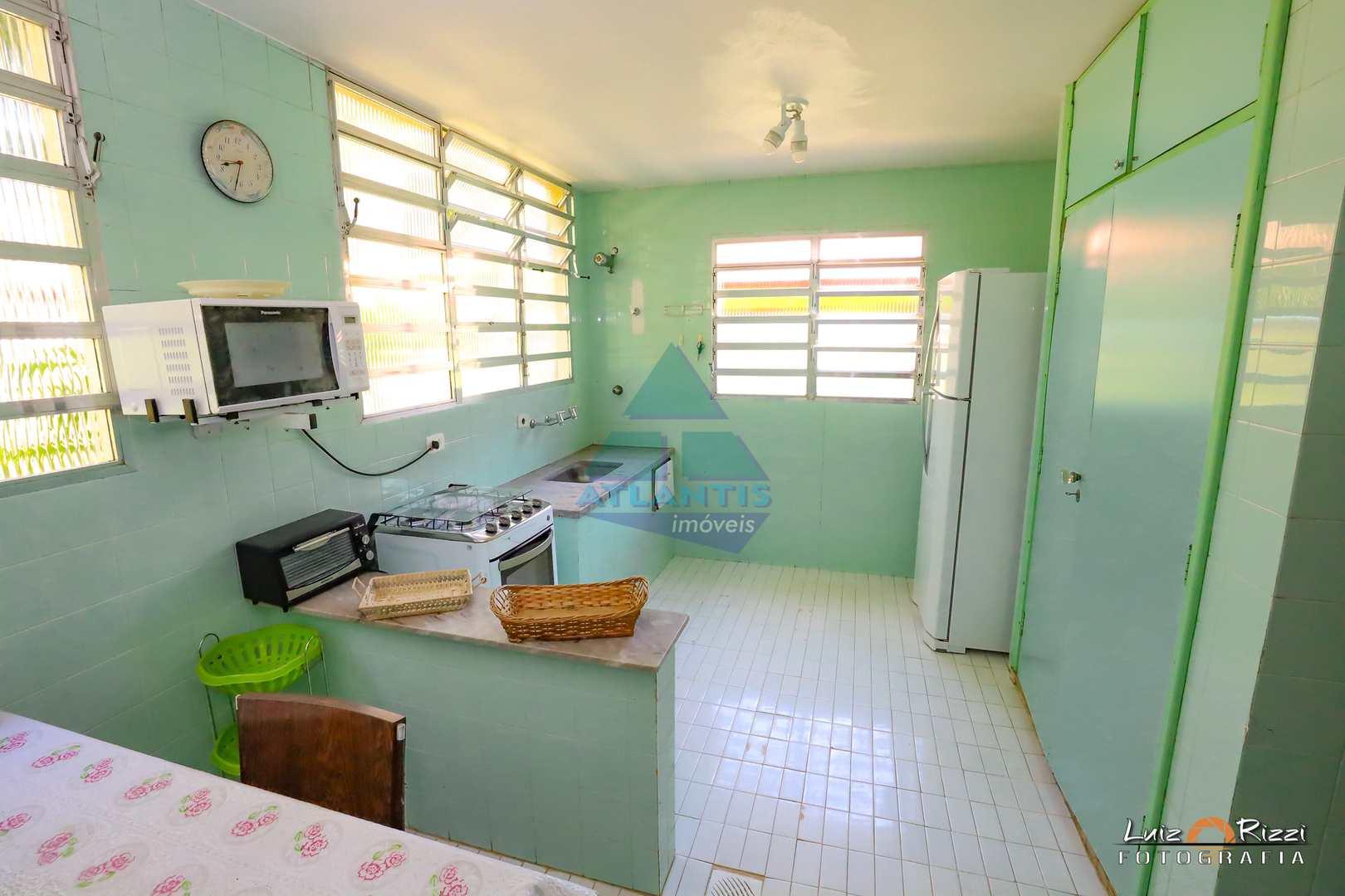 Casa com 4 dorms, Condomínio Lagoinha, Ubatuba - R$ 2 mi, Cod: 1347