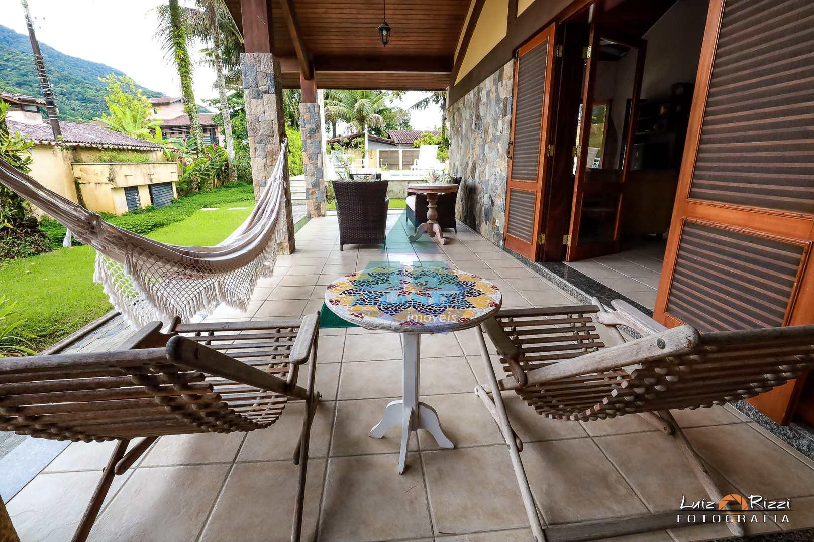 Casa com 7 dorms, Praia do Lázaro, Ubatuba - R$ 2.2 mi, Cod: 1352