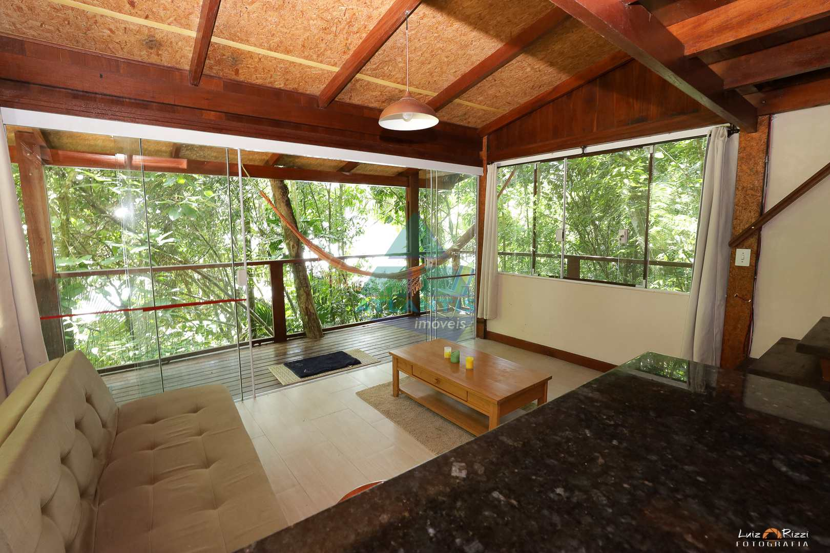 Casa com 4 dorms, Praia da Lagoinha, Ubatuba - R$ 1.95 mi, Cod: 1384