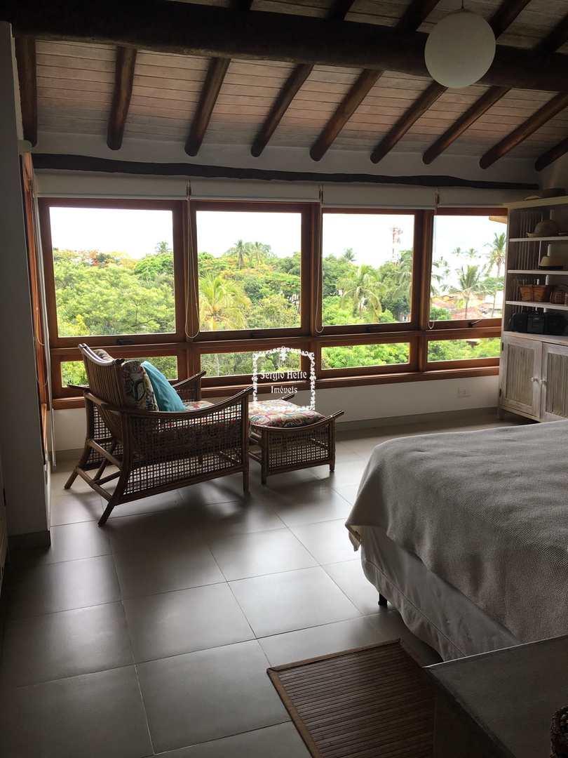 Casa de Condomínio com 3 suites , Centro