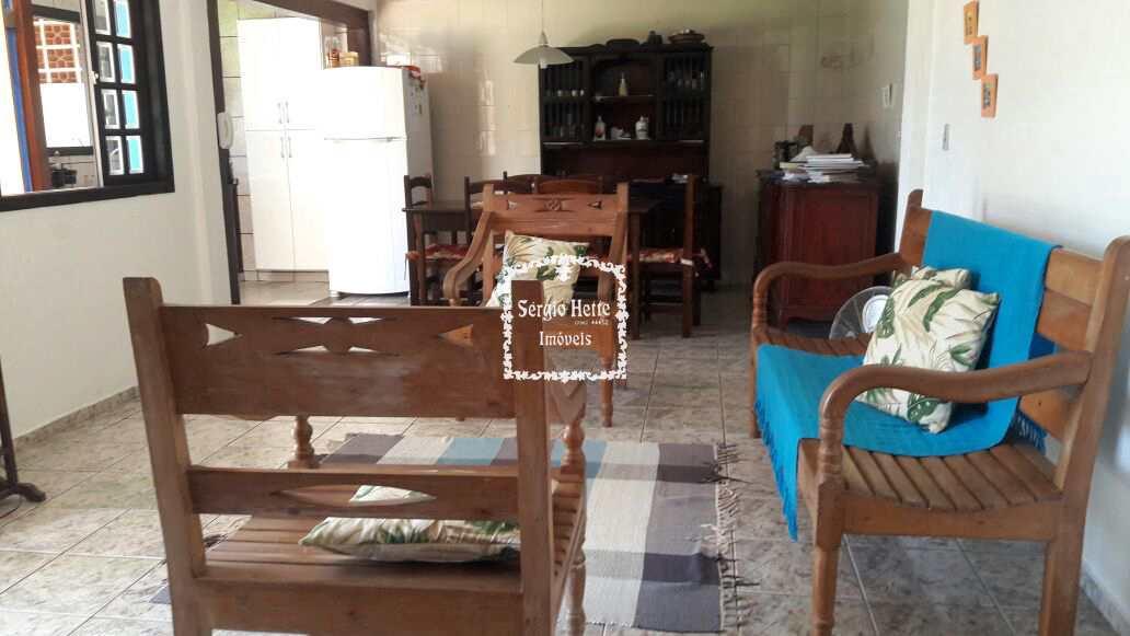 Casa para  família no Réveillon e férias , terreno plano
