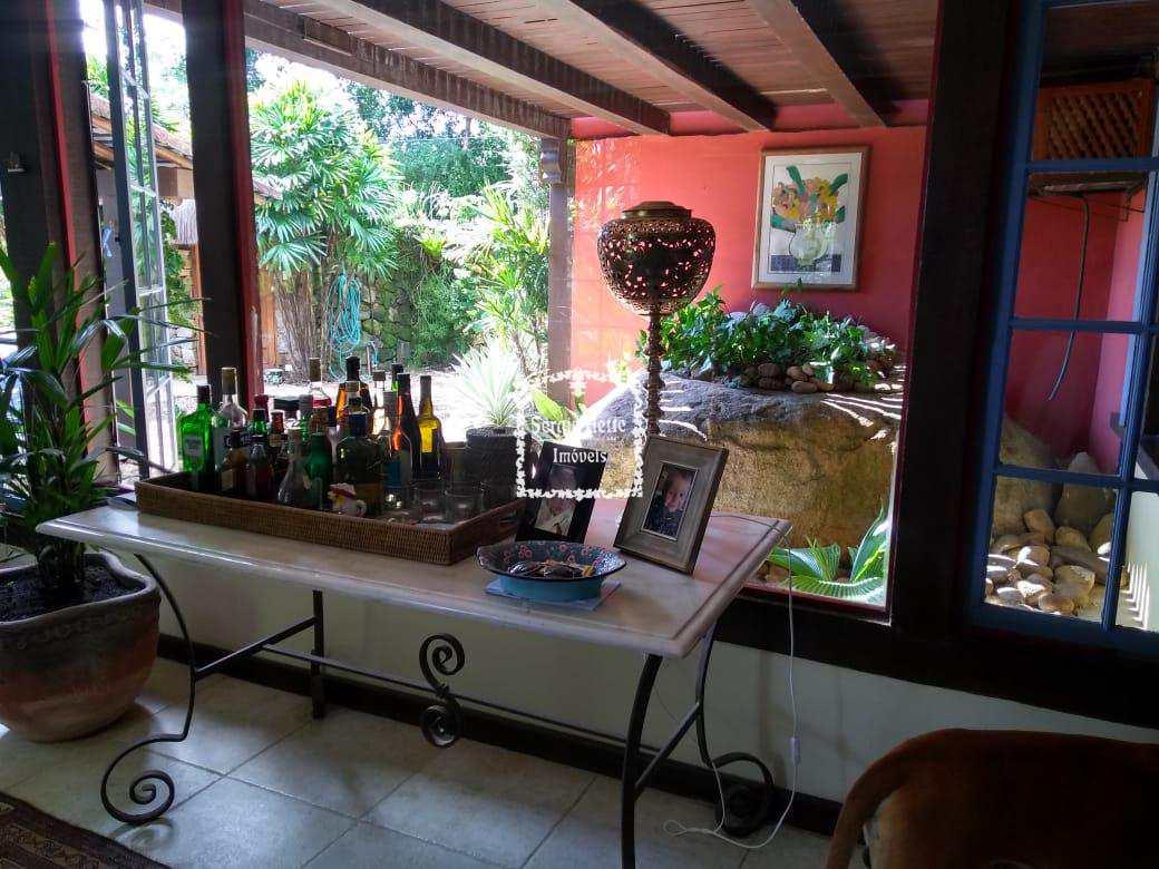 Casa, Centro, Ilhabela - R$ 2.1 mi, Cod: 632