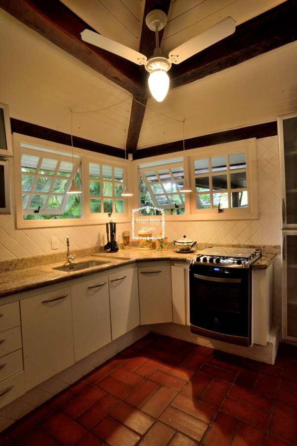 condomínio com cachoeira, casa alto padrão