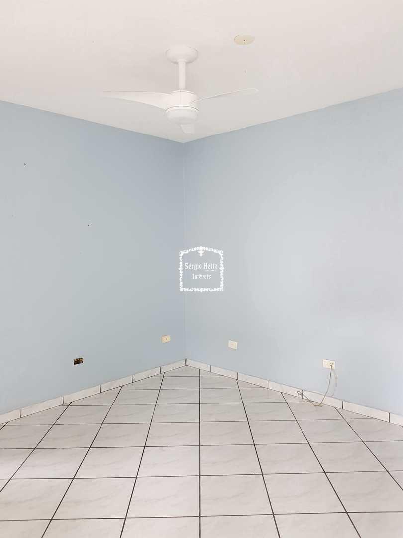 Locação casa plana, perto de comércios,  Cod: 655