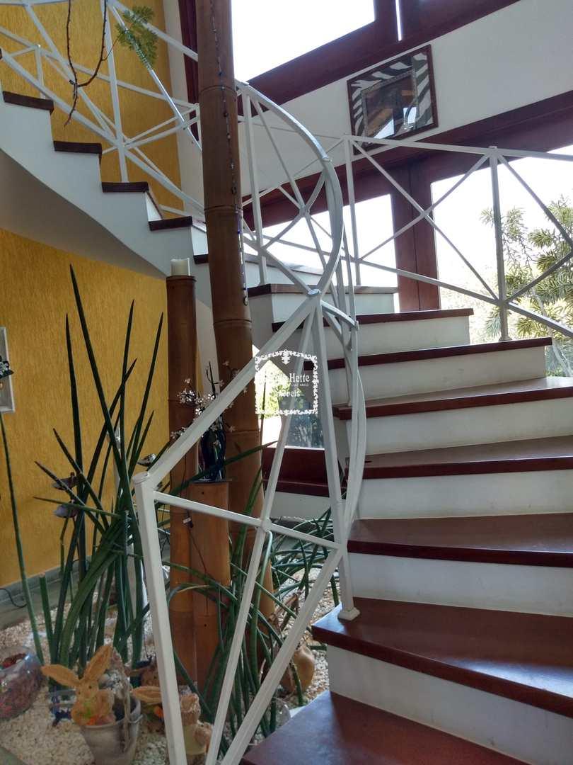 Casa alto padrão com vista e natureza