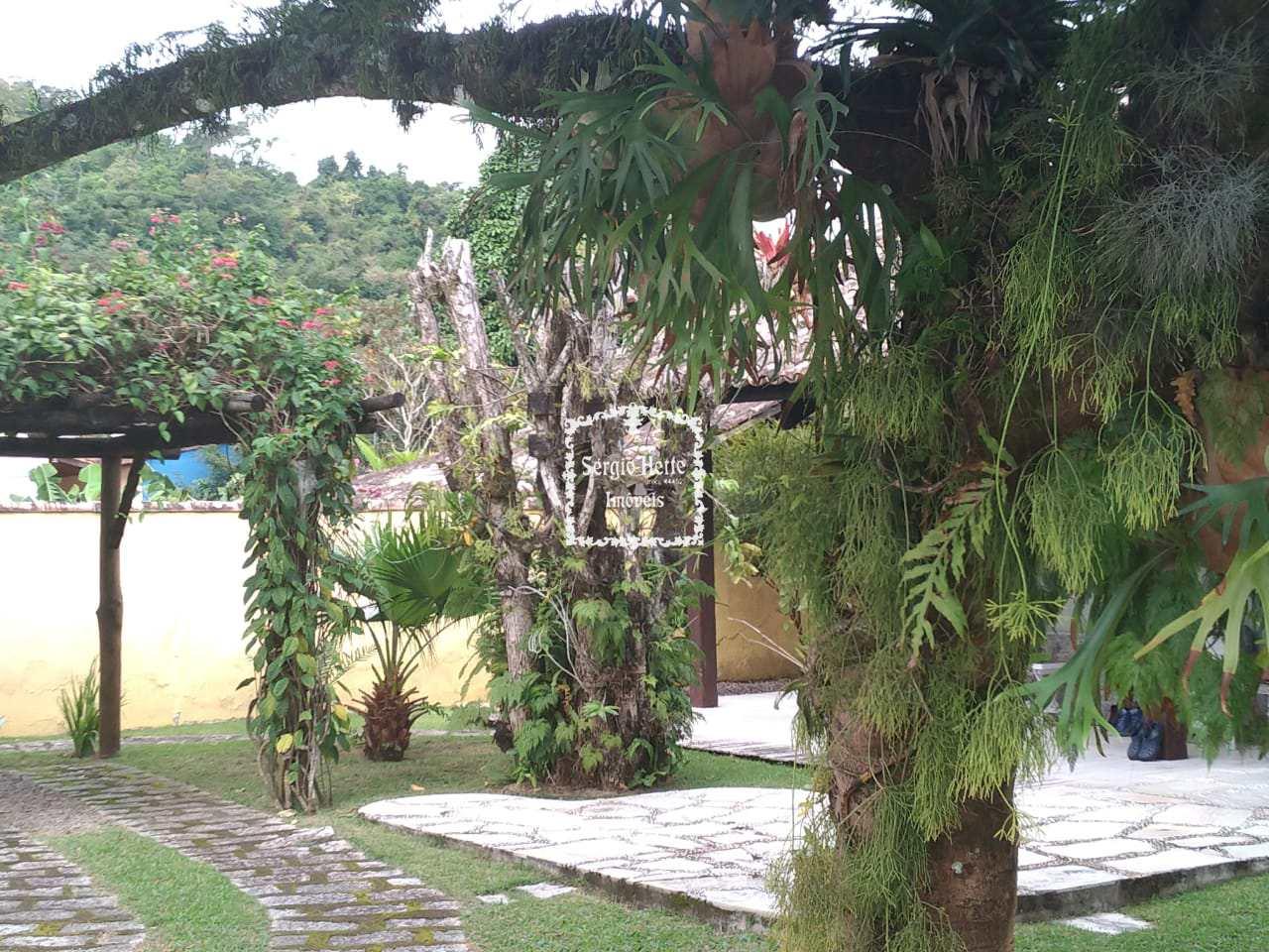 casa amplo jardim, perto de comercios
