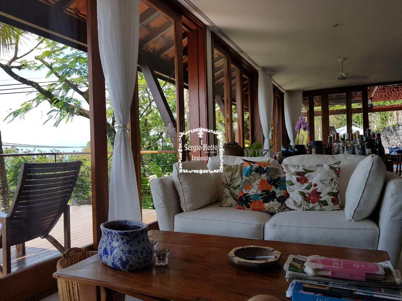 Casa com praia privativa
