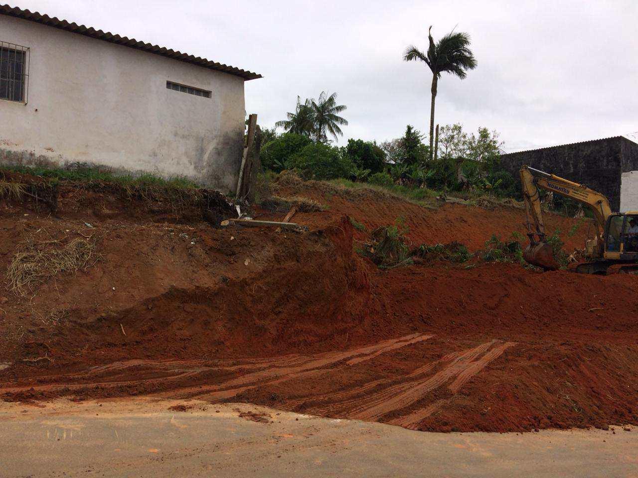 1260m² frente da rodovia, Mogi -Biritiba Mirim só R$ 600 mil.