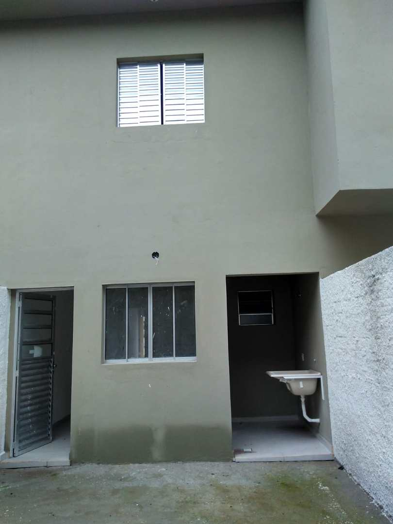 03 sobrados vende,  2 dorm. 2 Wc. sala, cozinha, gar., quintal.