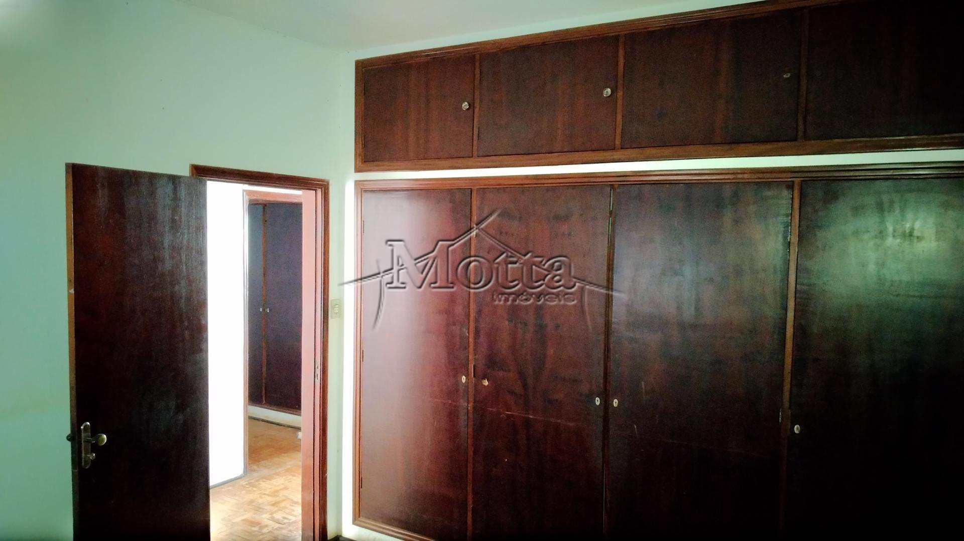 Casa com 4 dorms, Centro, Cravinhos - R$ 420 mil, Cod: 272