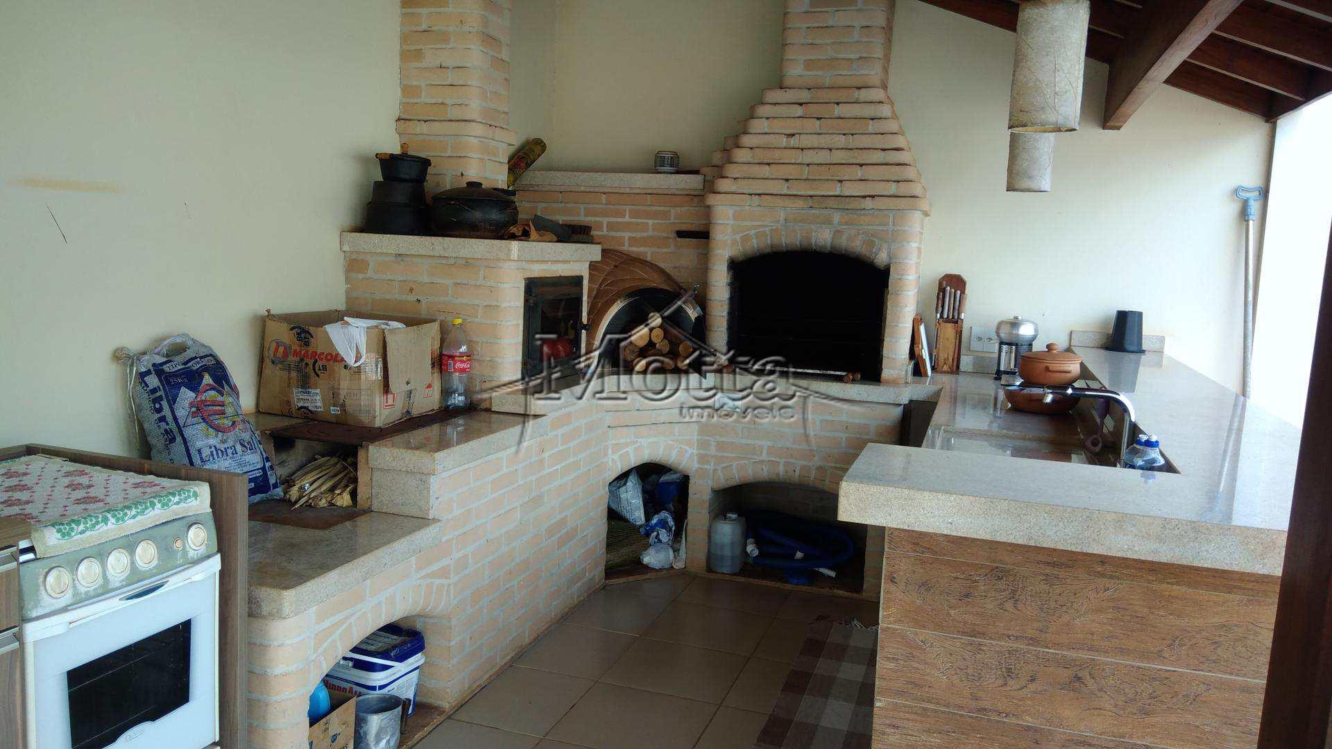 Casa com 3 dorms, Centro, Cravinhos - R$ 800 mil, Cod: 990