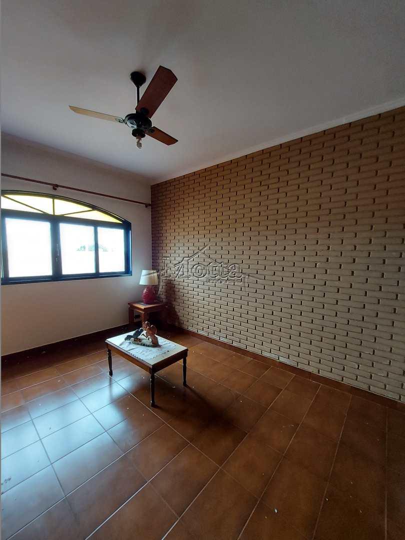 Casa 3 dorms, Suite, Armarios, Salas, Centro - Cod: 1006