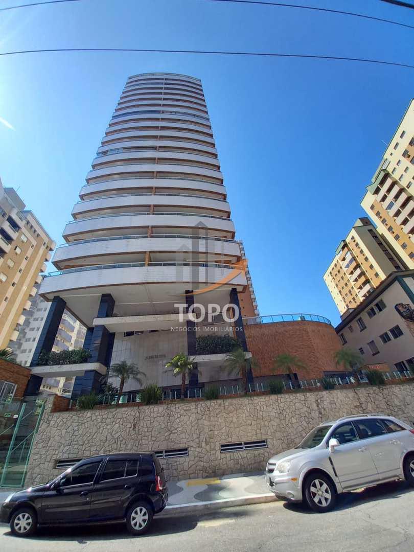 Apartamentos nunca habitados, prontos para morar, na quadra do mar no bairro Canto do Forte.