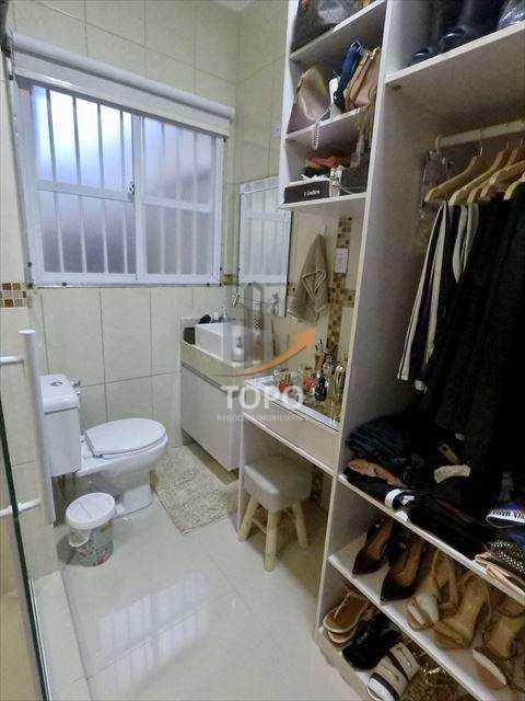 Casa altíssimo padrão mobiliada no bairro Boqueirão em Praia Grande/SP. REF 4537