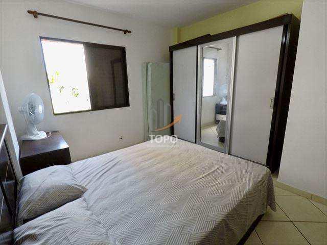 Apartamento 01 dormitório todo mobiliado no bairro Guilhermina em Praia Grande/SP, com excelente localização, ao lado do centro comercial, mercados, hospital Irmã Dulce e da praia.