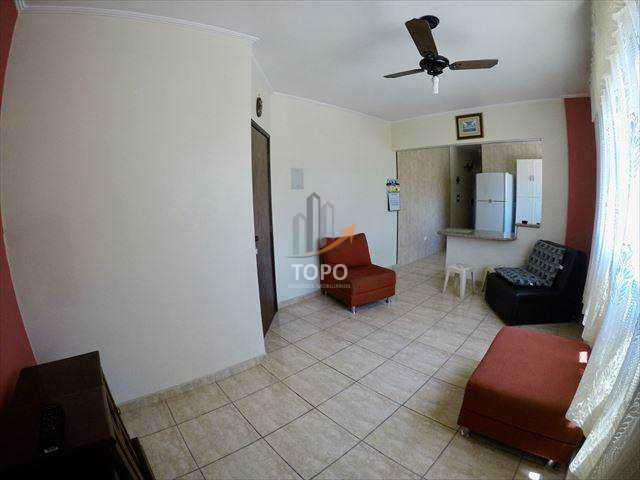 Apartamento de 01 dormitório ao lado do centro comercial, no bairro Guilhermina, na Praia Grande.