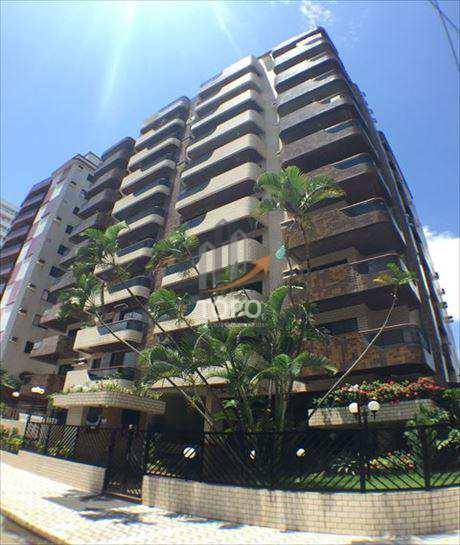 Apartamento GRANDE no bairro Canto do Forte, esquina do quarteirão da praia, com 160,00 metros de área útil.