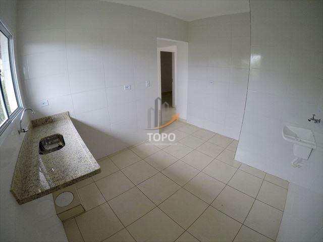 A grande hora de realizar o sonho da casa própria é agora. Casa nova em sistema de condomínio com excelente padrão de construção.