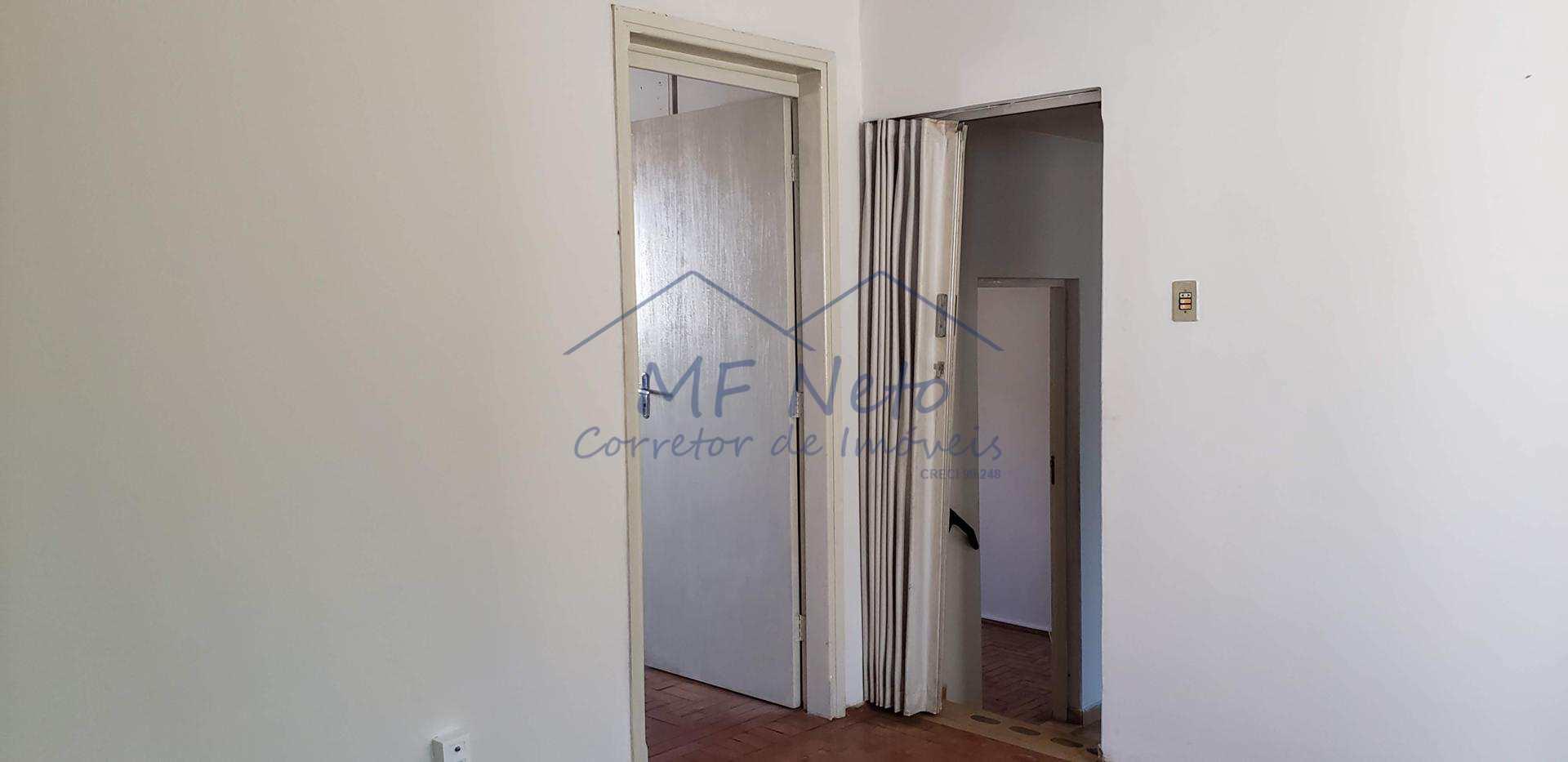 Casa com 3 dorms, Centro, Pirassununga, Cod: 10131676
