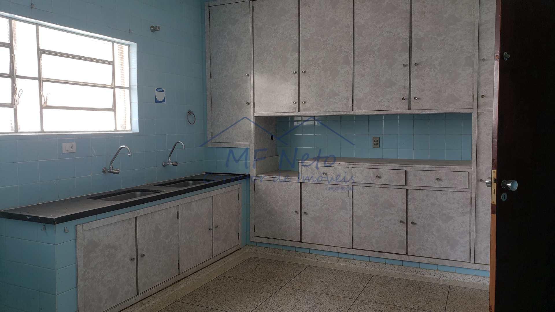 Sobrado com 3 dorms, Centro, Pirassununga, Cod: 10131744