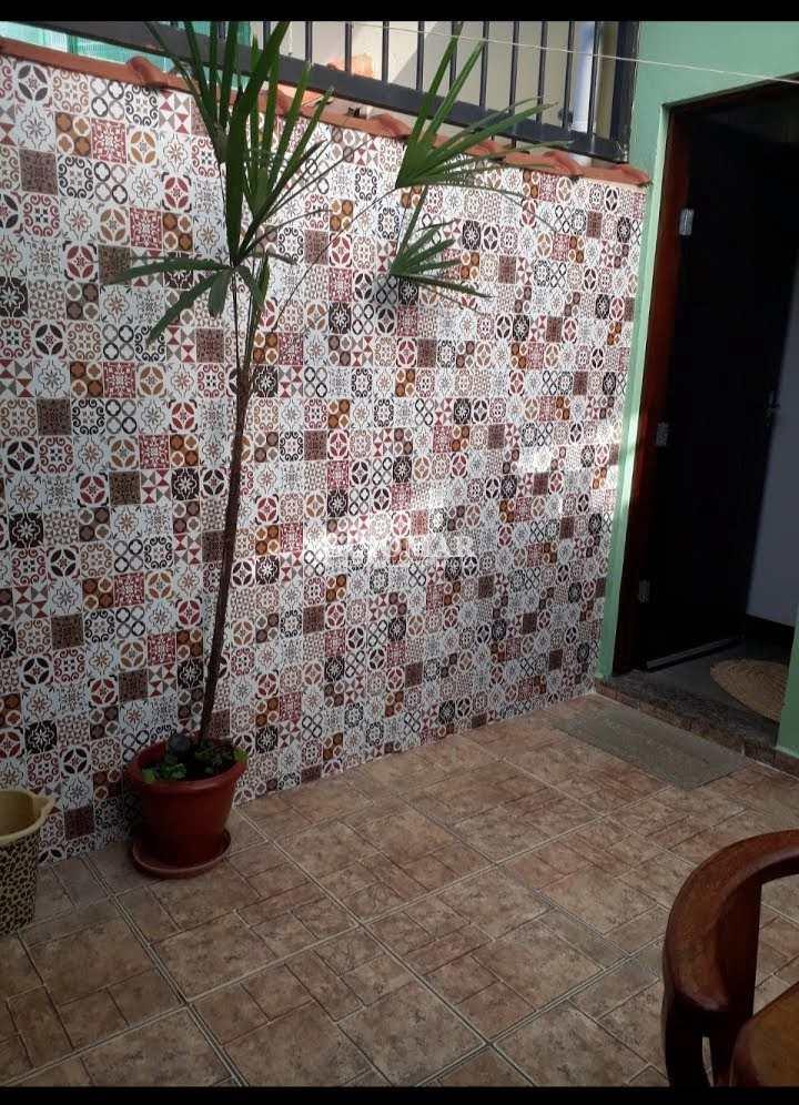 Sobrado com 2 dorms, Caiçara, Praia Grande - R$ 215 mil, Cod: 2074