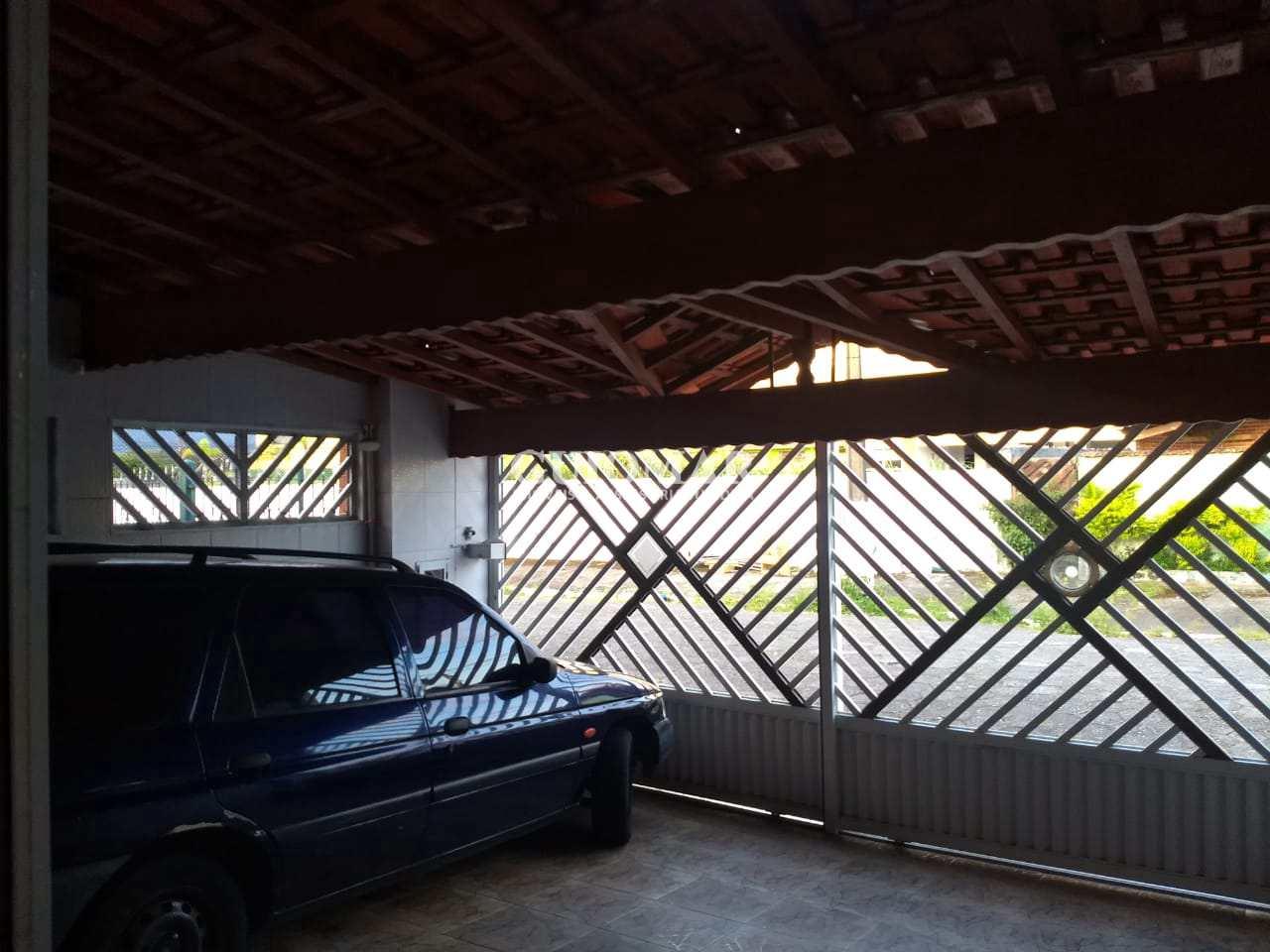 Sobrado com 3 dorms, Caiçara, Praia Grande - R$ 250 mil, Cod: 2121