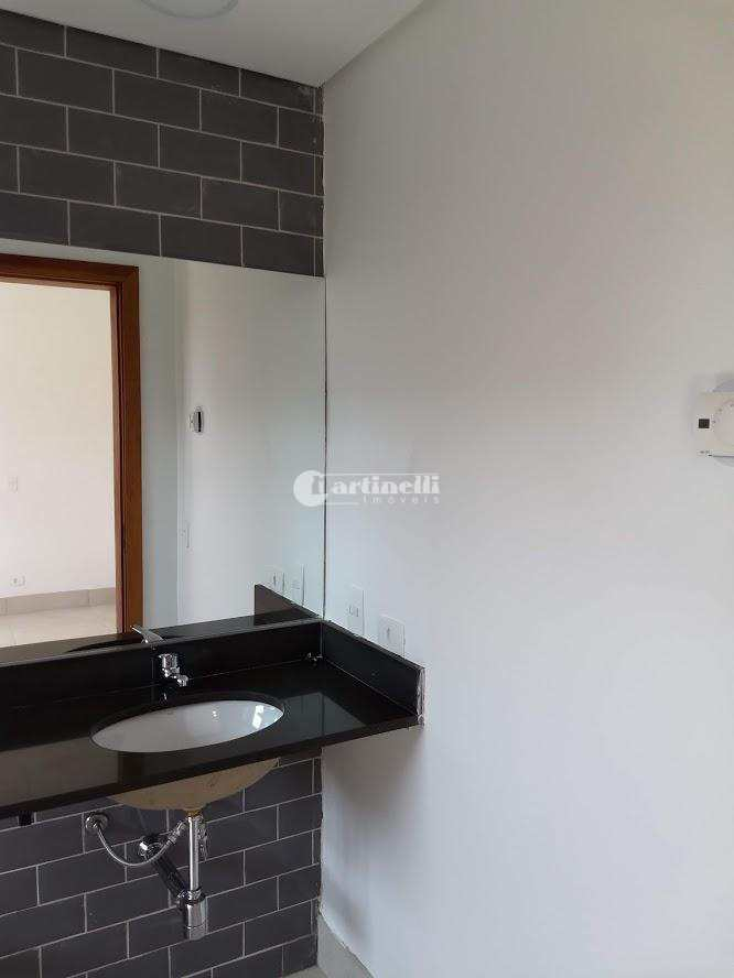 Casa com 3 dorms, 6 km do centro, Santo Antônio do Pinhal - R$ 1.65 mi, Cod: 594