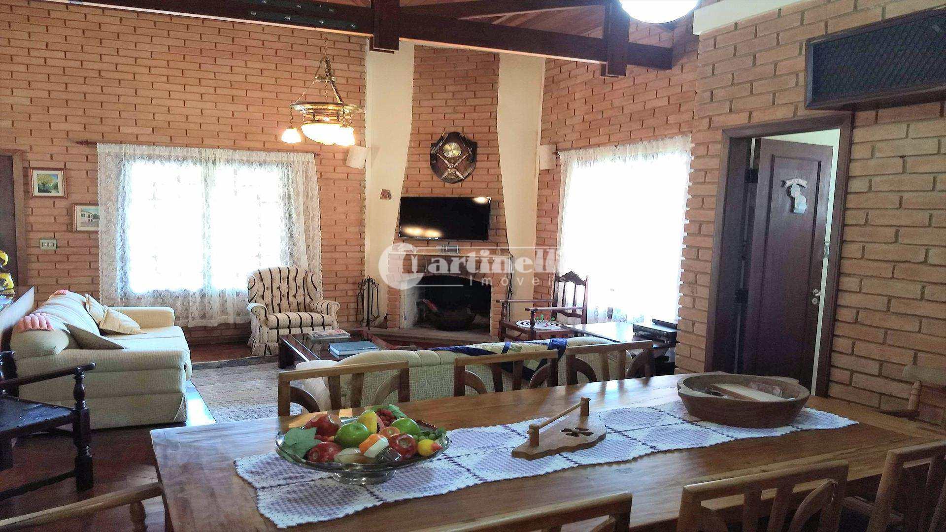 Casa com 2 dorms, Centro, Santo Antônio do Pinhal - R$ 780 mil, Cod: 592