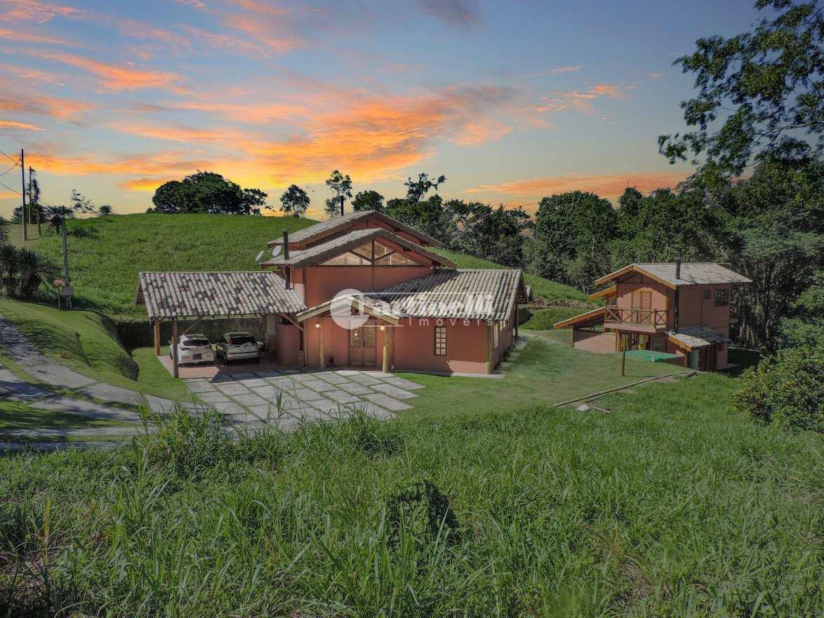 Casa de Condomínio com 4 dorms, Zona Rural, Santo Antônio do Pinhal - R$ 1.2 mi, Cod: 547