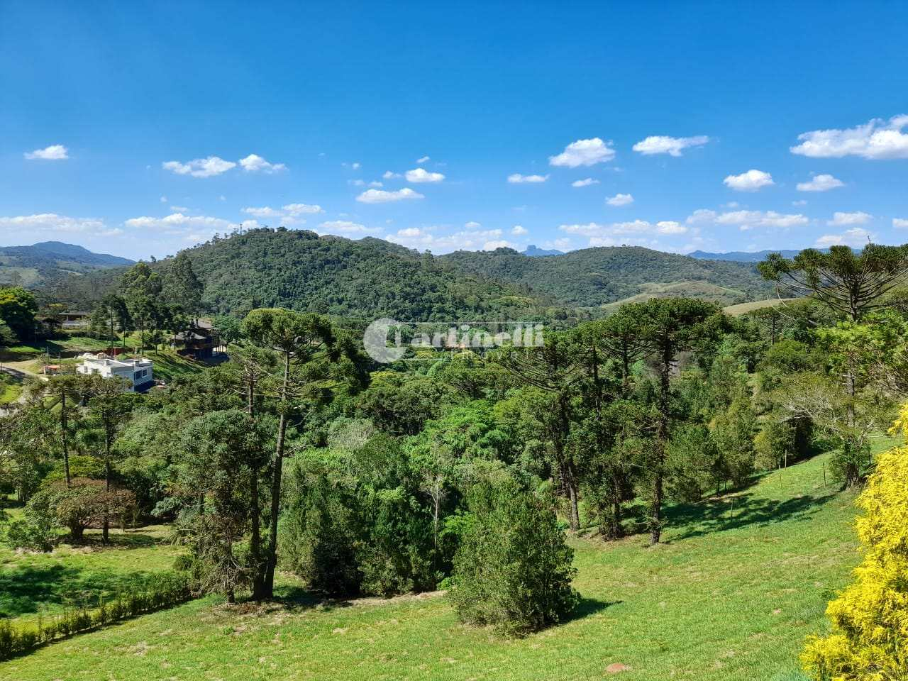 Terreno de Condomínio, 6 km do centro, Santo Antônio do Pinhal - R$ 350 mil, Cod: 444